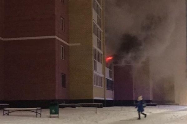 Во время пожара пострадал еще ребенок из квартиры на третьем этаже