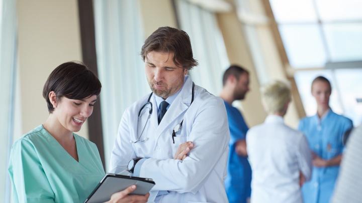 Люди в белых халатах: рассказываем про врачей, которым доверяют самарцы