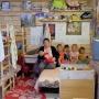 Семья с пятью детьми из Перми не смогла оплачивать ипотеку и переехала в дом из деревянных поддонов