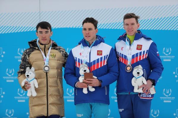 Победители гонки (слева направо):Асет Дюсенов,Александр Терентьев и Андрей Собакарёв