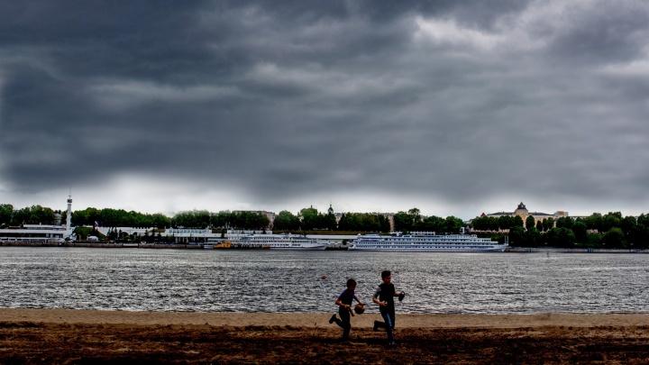 Выше климатической нормы: 30-градусная жара принесёт дожди и грозы