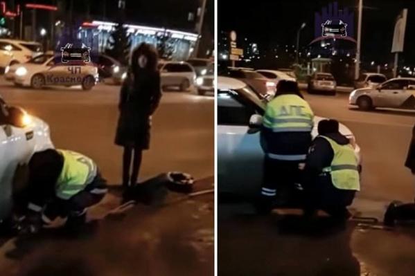 Девушка попросила помощи у полицейских, и они ей не отказали