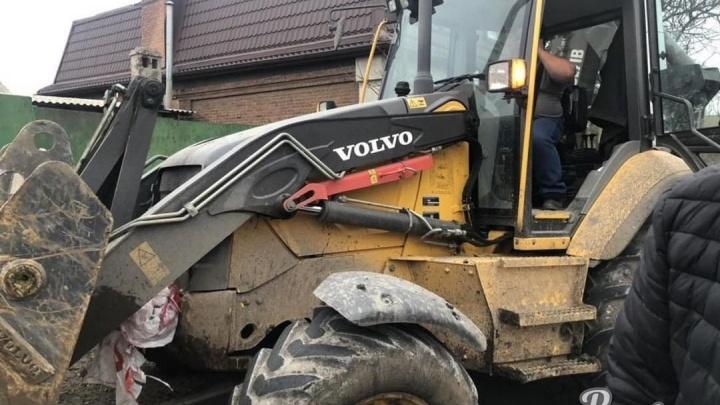 Опасная дистанция: в Ростове трактор разнес легковой автомобиль