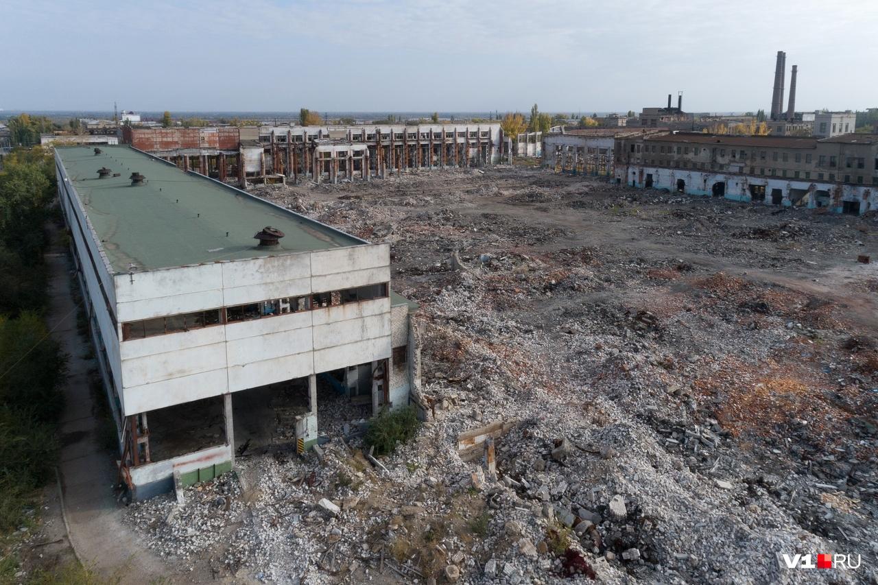 Огромная площадь, пригодная только для декораций фильма об апокалипсисе