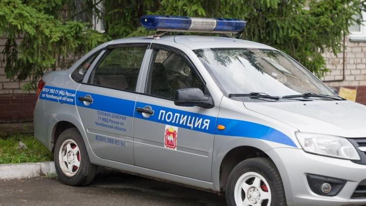 Увёз на BMW: в Челябинске отец выкрал двухлетнего сына у матери и скрылся