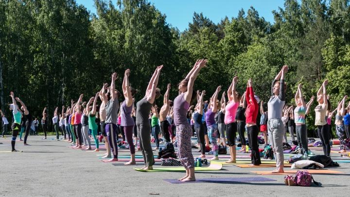 Выходные, которые запомнятся: участвуем в йога-марафоне, отмечаем День «Москвича» и ищем любовь