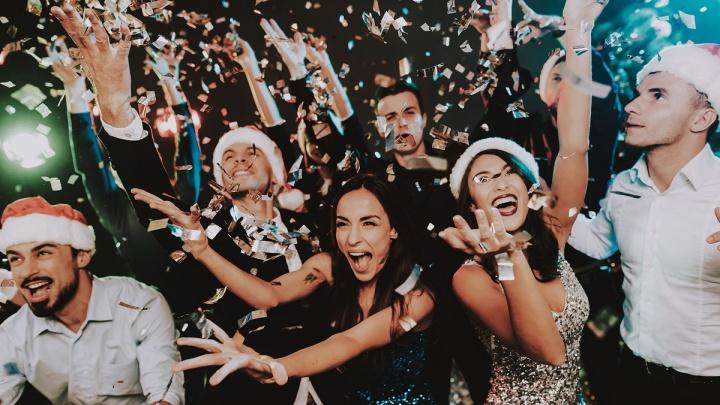 Для тех, кто вел себя хорошо и не очень: в Омск приехал Дед Мороз и приказал веселиться