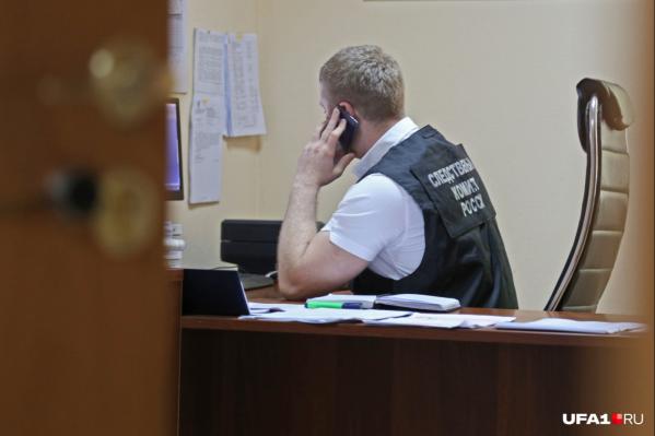 Следователи считают, что инспектора пытались убить