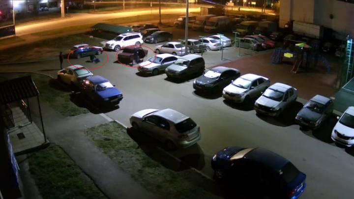 Жестокая расправа в Брагино: двух мужчин выдернули из машины и избили