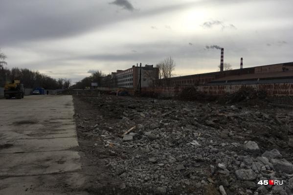 Мост ЖБИ снесён полностью, осталось вывезти мусор