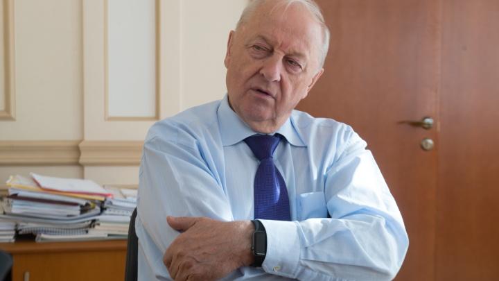 Ближайшего соратника Эдуарда Росселя заподозрили в хищении элитных квартир в Москве