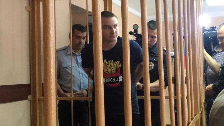 «Не надо топить человека»: как в суде защищают сотрудников колонии, зверски пытавших заключённого