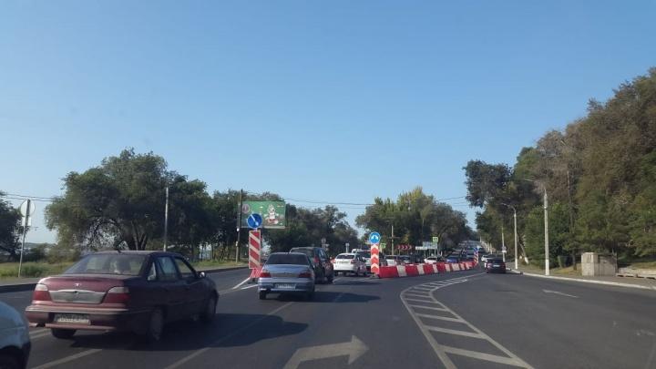 Ловушка кольца: с утра Нулевая Продольная в Волгограде замерла в пробке