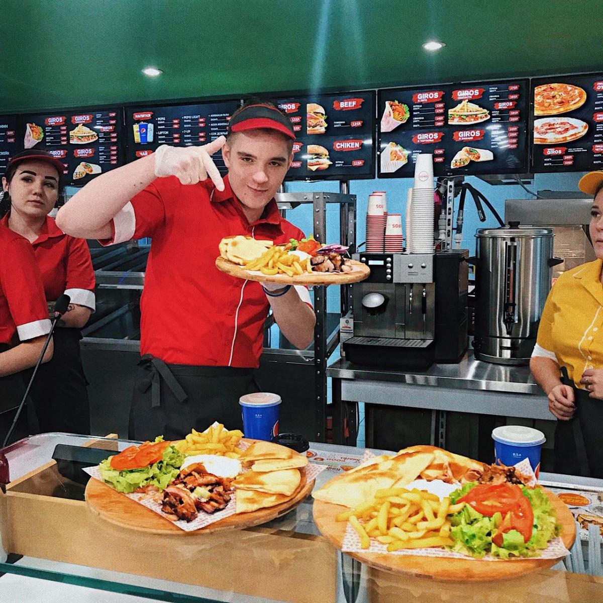 Гирос для всех: горожане смогут попробовать настоящее греческое блюдоза 135 рублей
