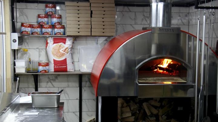 На «Студенческой» появилась пиццерия-избушка с дровяной печью из Йошкар-Олы