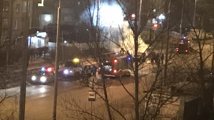 В центре Омска ночью сгорели «Жигули»
