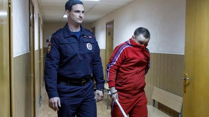 «Не надо фото, у меня ребенок»: над убийцей преемника Кадина начался судебный процесс