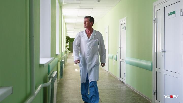 В Волгоградской области москвич на внедорожнике отправил в больницу дагестанского дальнобойщика