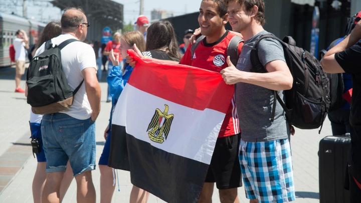 «Погода такая же, как в Египте»: фанаты Мохаммеда Салаха приехали в Волгоград