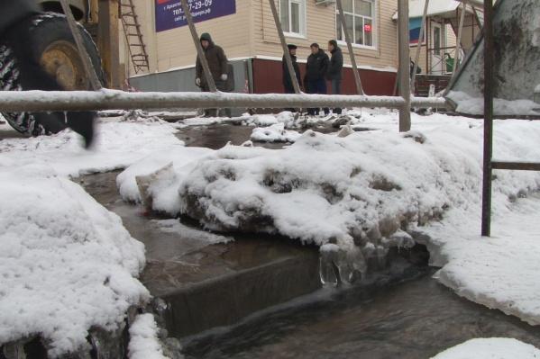 Ремонты на коммунальных сетях оставят без воды четыре дома в Архангельске