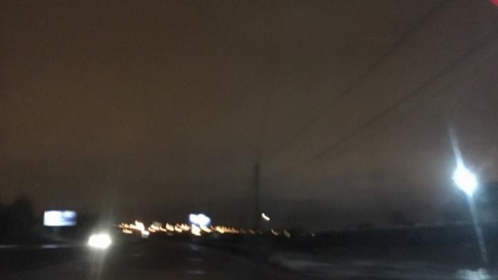 Пол-Ярославля погрузилось во тьму из-за неработающих фонарей: что ответили чиновники