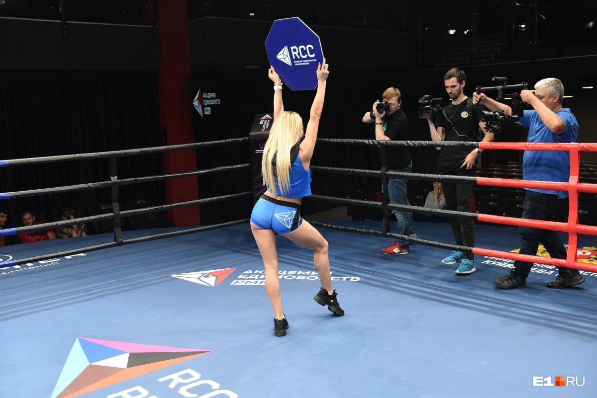 Эта участница выглядит так, будто уже работает ринг-гёрлз. Неудивительно, что она оказалась в числе победительниц