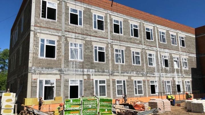 На год позже: детскую поликлинику в Закамске обещают сдать в октябре 2019 года