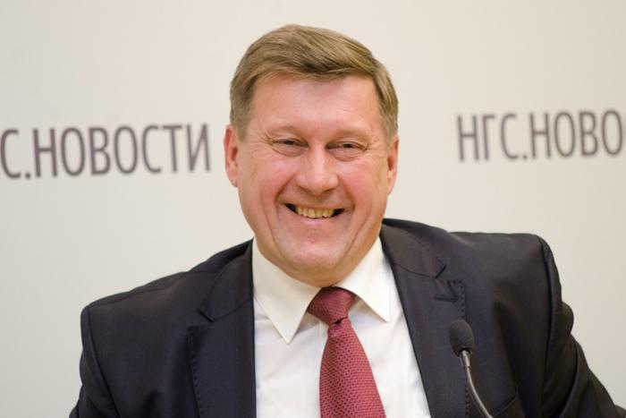Анатолий Локоть официально согласился участвовать в конкурсе«Селфи с мэром»