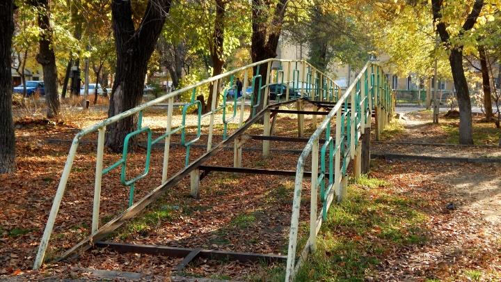 «Многие не вспомнят, как он выглядел раньше»: на севере Волгограда умирает безымянный парк