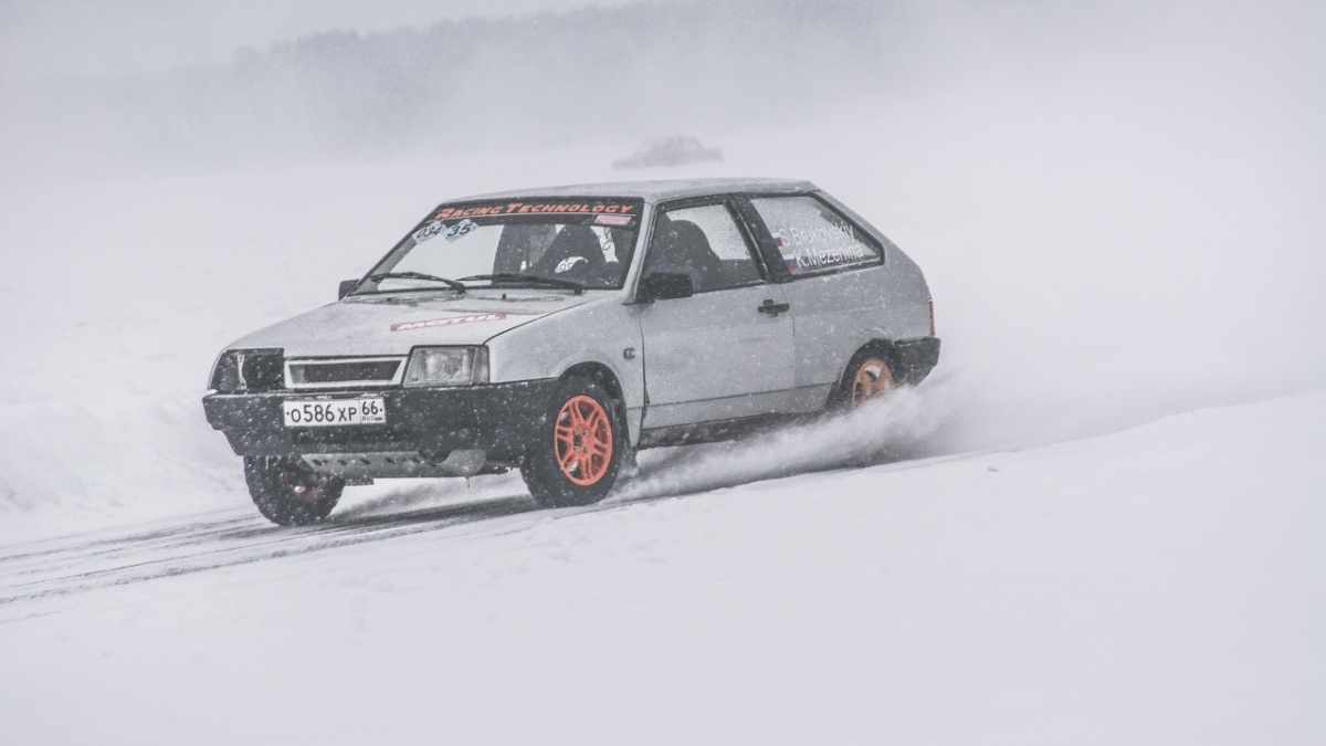 Дрифтеры придумали, как отстоять автодром на Балтыме, и поехали «охранять» озеро