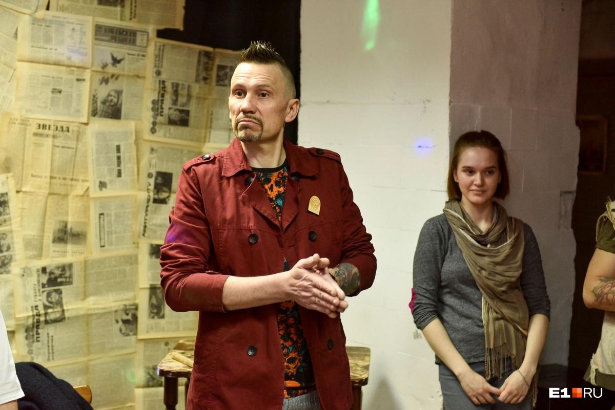 Иван Михеев говорит, что маски в его творчествезанимают очень большую часть
