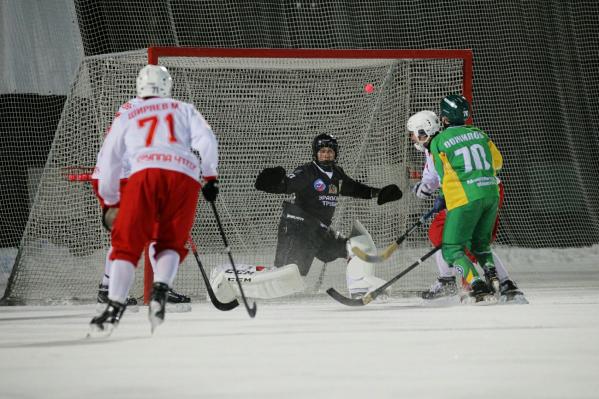 «Уральский Трубник» смог забросить два гола, но что это значит по сравнению с девятью заброшенными мячами «Водника»!
