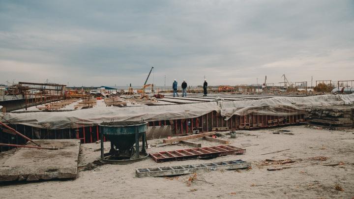 Дорожники рассказали, когда вернутся к строительству развязки на Мельникайте — Дамбовской