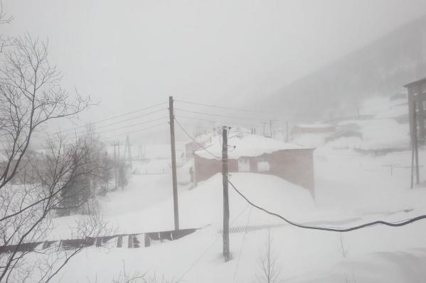 Приисковый замело снегом