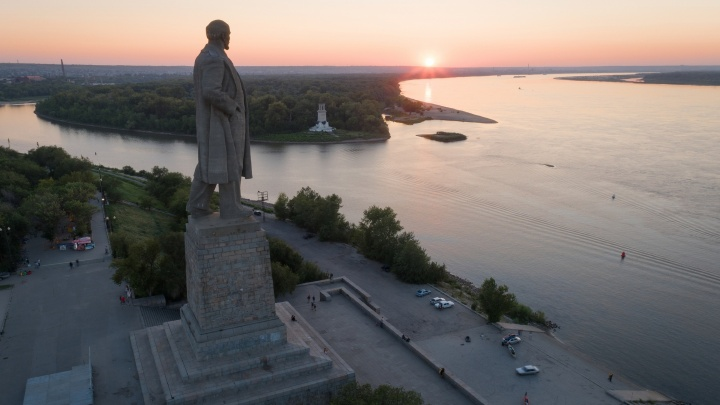 Волгоградский священнослужитель предложил охранять церкви и памятник Ленину