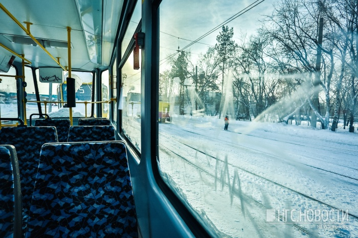 Трамваи остановились из-за ДТП