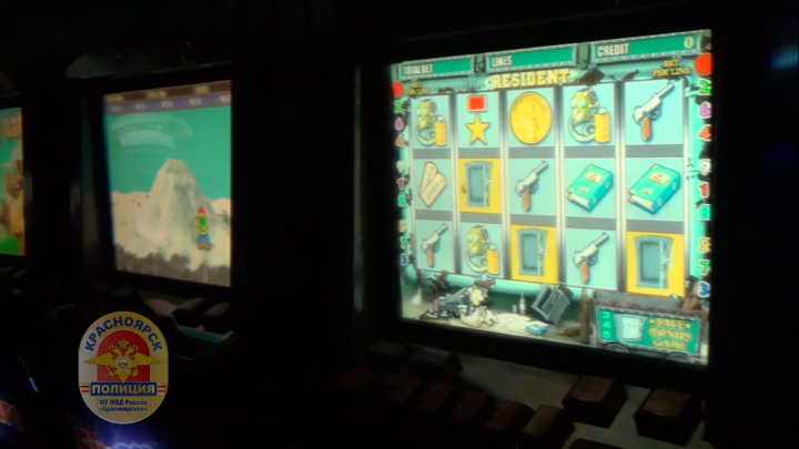 На Алексеева в районе «Планеты»накрыли замаскированный под спортклуб салон с игровыми автоматами