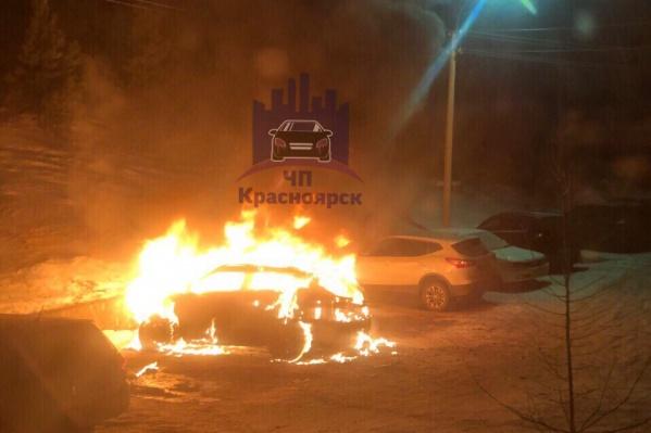 Машина загорелась в 3 часа ночи