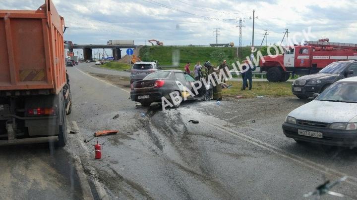 В аварии на объездной дороге пострадал водитель «Яндекс.Такси»