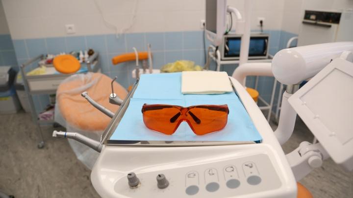 Клиника в Башкирии заплатит пациентке за зубной протез, из которого посыпались коронки