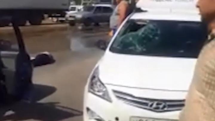 Решил срезать дорогу: в Башкирии неосторожный пешеход попал под колеса такси