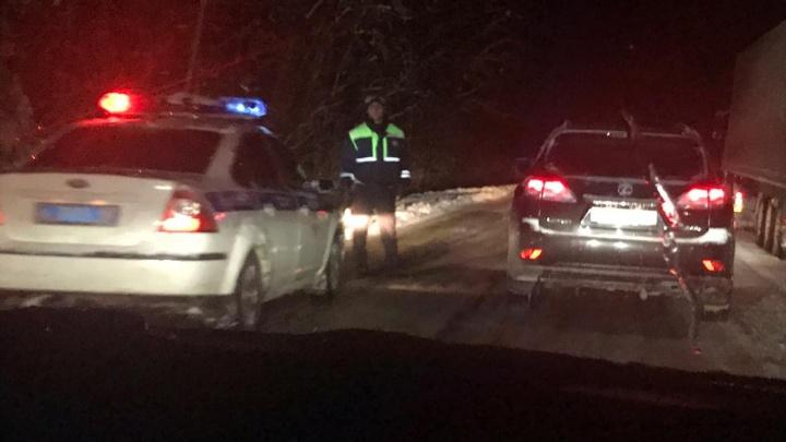 Фуры разворачивало, тракты вставали в многокилометровые пробки: как Екатеринбург пережил метель