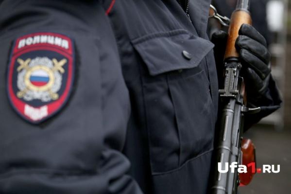 Полиция ищет других хулиганов, причастных к нападению на клуб