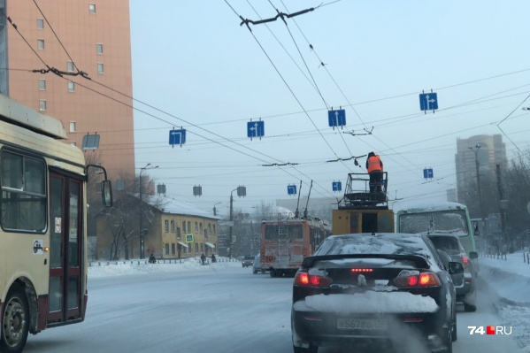 В службе организации движения заверили, что в ближайшее время троллейбусы на Воровского снова поедут