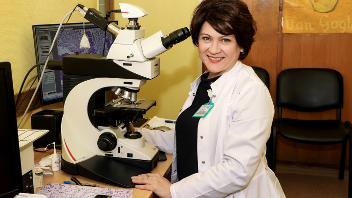 «Мой главный инструмент — микроскоп». Нижегородский патологоанатом — об изнанке своей работы