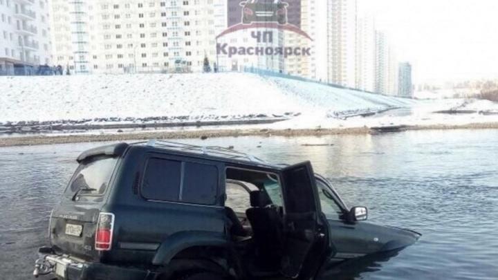 Утопивший Land Cruiser в Енисее водитель оказался частым любителем пьяной езды