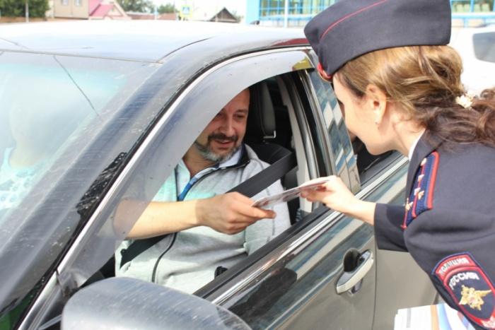 Автоинспекторы чаще останавливали машины с детьми