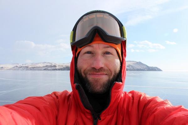 Андрей уже не первый раз путешествует по Байкалу