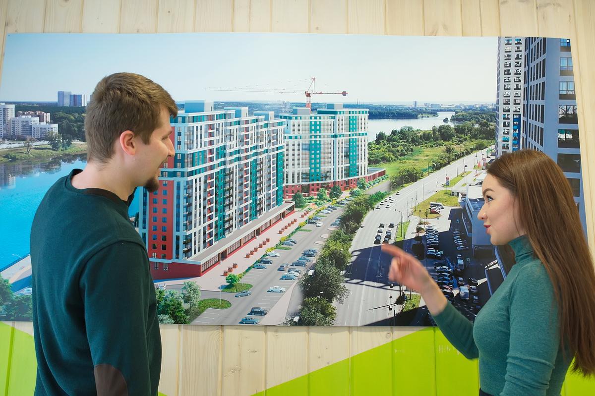 От жилого комплекса легко добраться до ТРЦ «Глобус» и «Дирижабль», ГЛК «Уктус» или выехать на Челябинский тракт
