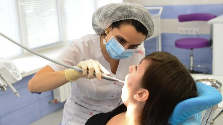 Учёные против мифов: правда ли, что у негров самые белые зубы, а кариес возникает от сладкого